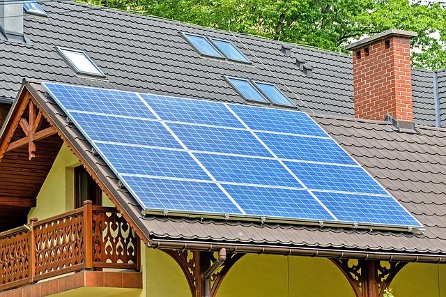 solar-panels-1477987_640