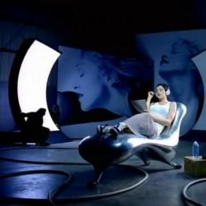 Madonna_Lockheed Lounge